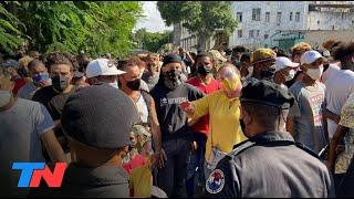 HISTÓRICO | Por primera vez en 28 años, cientos de personas protestaron en Cuba contra el Gobierno