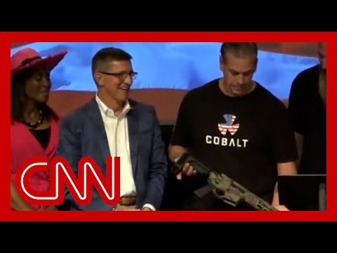 'Unacceptable': Reporter reacts to Flynn's remark after he was gifted a rifle