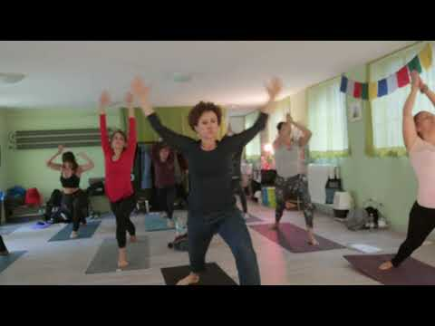 Vinyasa yoga dhara 30 min