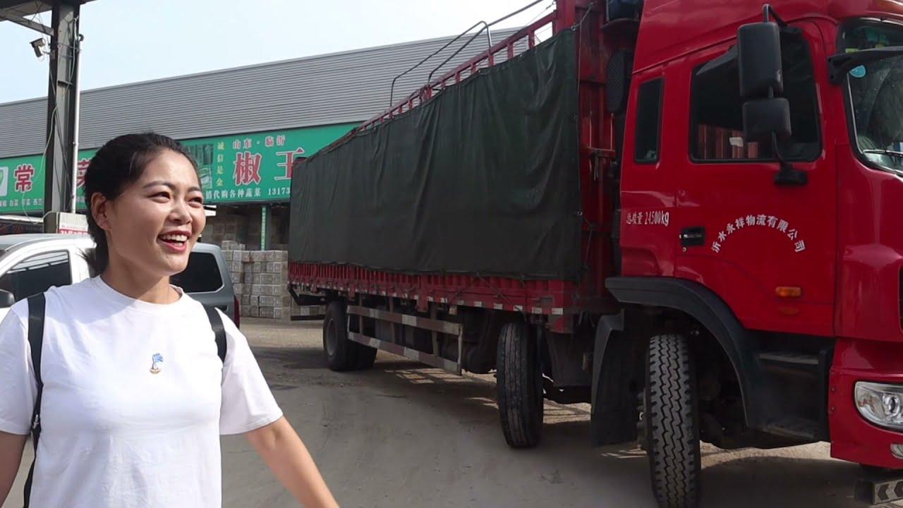 小喬裝2大車蔬菜送往河南,從早上5點忙到晚上10點,充實而有意義