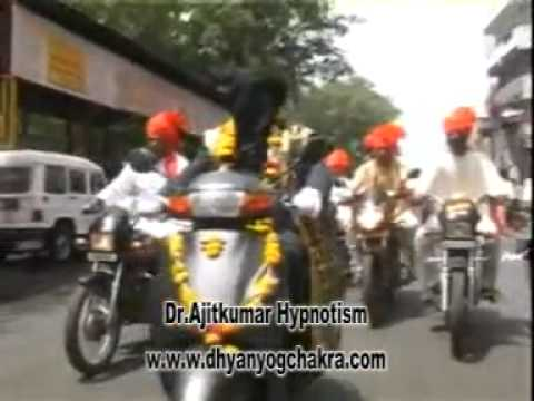 Dr Ajitkumar Hypnotism riding bike with closed eyes,1 st may maharashtra day1