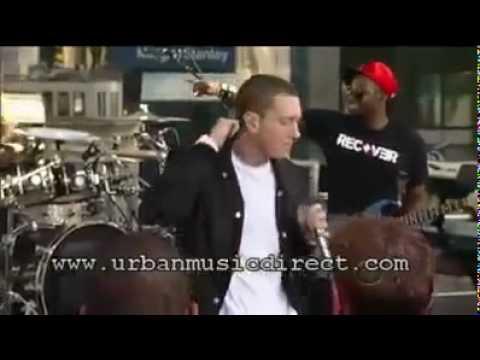 Eminem - Not Afraid - Live Rooftop Performance On David Letterman
