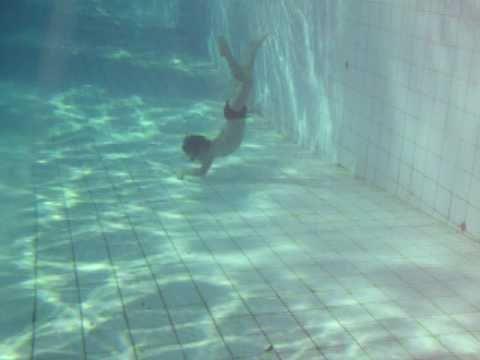 Gabriel capixaba mergulhando a 2 5m de profundidade em for Piscina de 7 metros