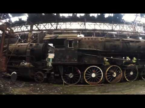Exploring Red Star Train Graveyard - Budapest