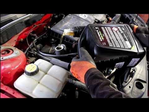 Замена масла в двигателе и фильтров  Mazda 3  1,6  Мазда 3  2006 года