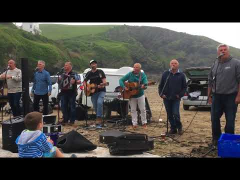 Port Isaac's Fisherman's Friends singing Yarmouth Town 2018