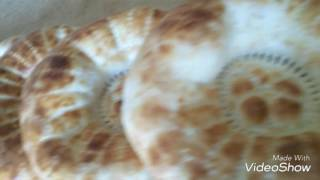 Настоящие узбекские лепешки смотреть интересно