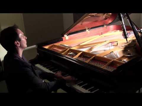 Katy Perry - Roar Vs Eye of the Tiger - Amazing Piano Mashup by Jonny May