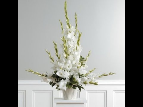 Church Flower Arrangement - Ideas and Tutorials for Church Wedding ...