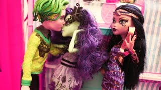 Monster High Stop Motion Taylor Swift Style Music Video