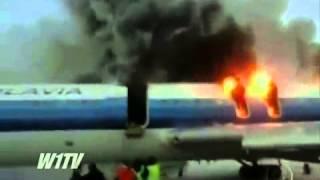 Desastre ► Avião pega fogo e explode antes de decolar na Rússia