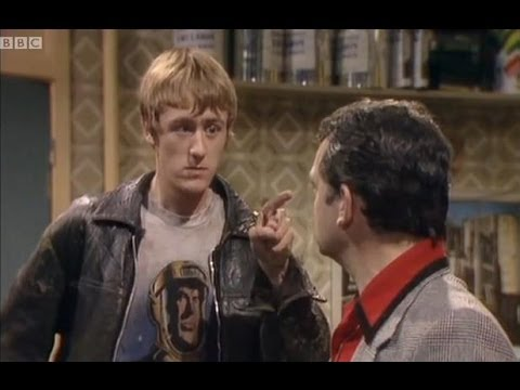 A Brotherly Tiff - Only Fools and Horses - BBC