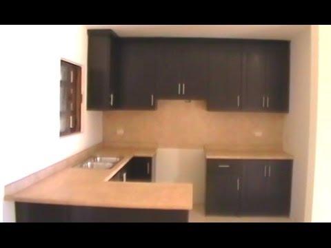 Cocina de pvc funcional y elegante con puertas tipo for Puertas de cocina minimalistas