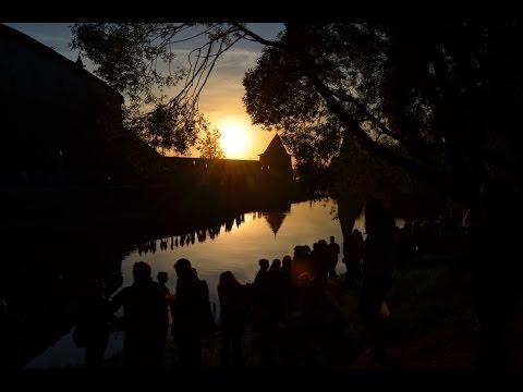 Фестиваль водных фонариков в Пскове
