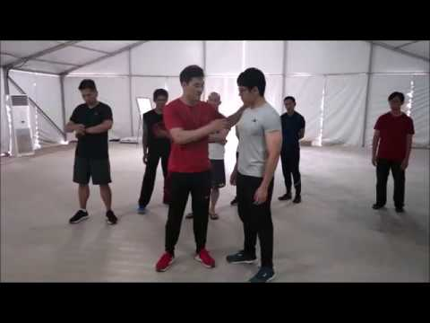 Move like a snake and One motion - DK Yoo
