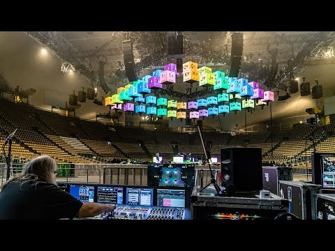 Metallica WorldWired Tour - Behind the scenes (1 of 4): Visuals, Kinetics and Lighting