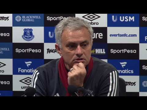Mourinho hits back at Scholes criticism