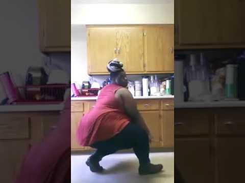 Mast dance     moti ladki