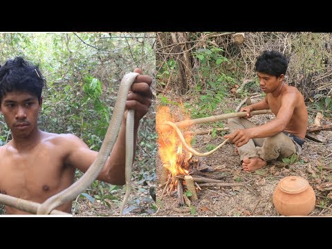 Primitive Technology Find food - Fascinating living In Ancient Times