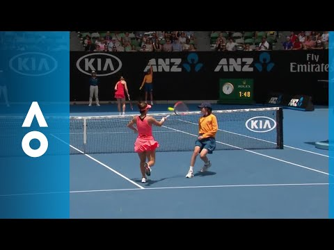 Heads up! Ballkid near miss in Halep v Davis | Australian Open 2018