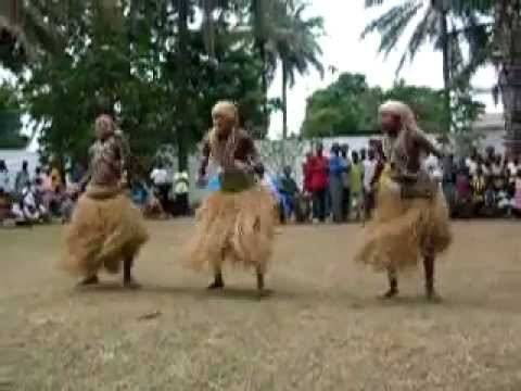 VERY RARE Traditional Congolese Dance with Ska- YouTube.FLV