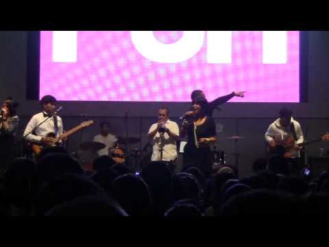 Maliq & D'essentials -  Penasaran @ Live n Loud-Oz FM [HD]