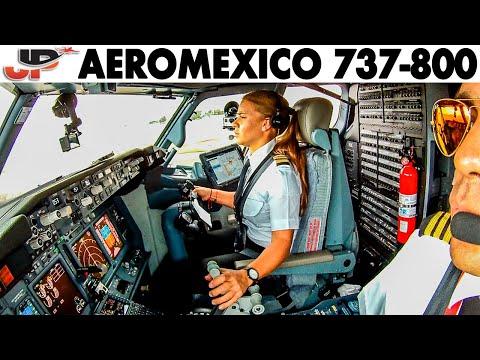 Maria Fernanda's 737 landing at Mex City