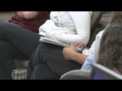 Gov. Martinez signs Lottery Scholarship bill