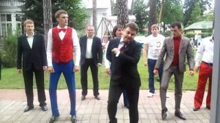 "команда КВН ""ПриМа""  танец Медведева (эксклюзив)"