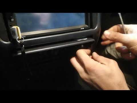 Как установлена 2 диновая магнитола на мицубиси каризма