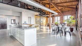 PENTHOUSE Corner Loft in the Renown Cigar Factory