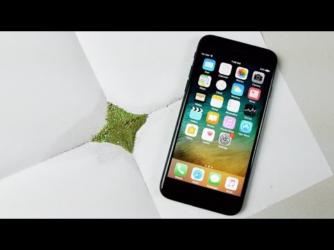 Don't Mix Explosive Powder With an iPhone 7!