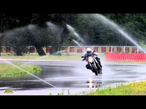 Moto.it Comparativa pneumatici Sport Touring sul bagnato