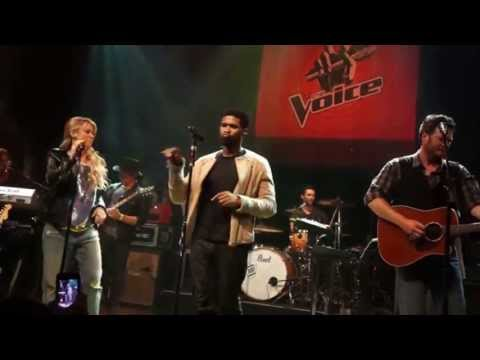 "Adam Levine, Blake Shelton, Shakira & Usher ""Come Together"" Live"