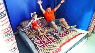 Nastya dan Ayah bersenang-senang di Science Museum for Children