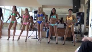 Мисс мини бикини(, 2014-08-25T14:52:23.000Z)