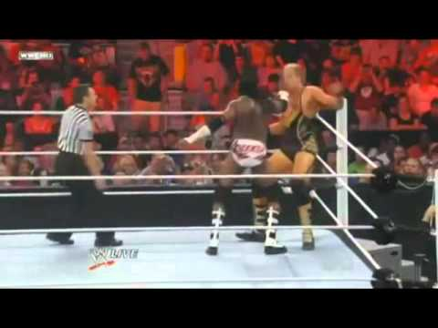 Booker T»Repeated Backhand Chops