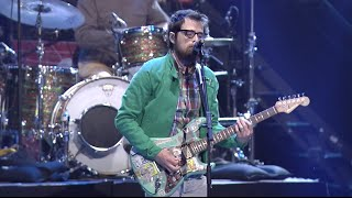 "2015 headliners Weezer perform ""Buddy Holly"" at the second annual A..."