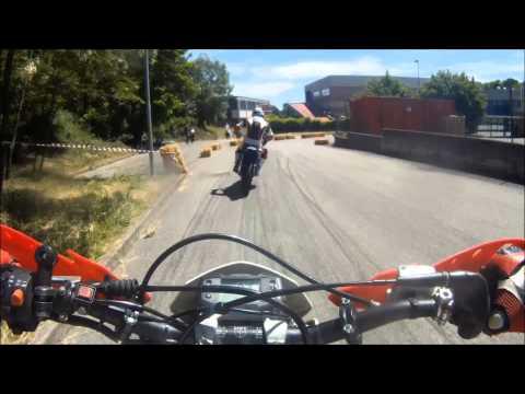"""Pista Husqvarna WR motard - """"Alzate la ruota"""" 2013"""