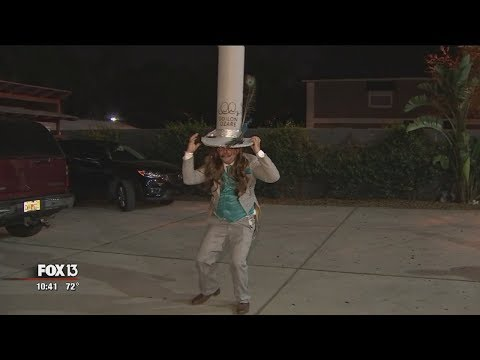 Tampa artist claims world's tallest hat