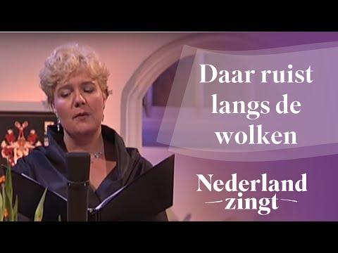 Nederland Zingt: Daar ruist langs de wolken