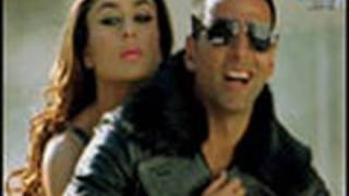 Akki gives Bebo a ride - Kambakkht Ishq
