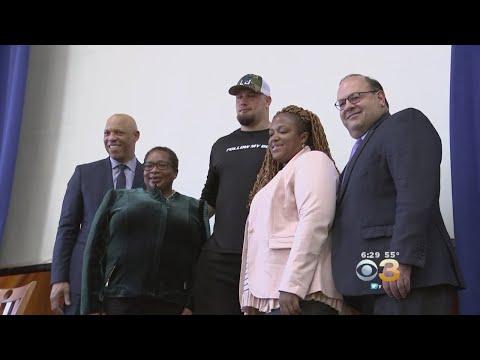 Lane Johnson Makes Generous Donation To Support Philadelphia School District