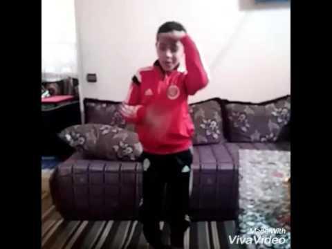 أصغر طفل يرقص واي واي 2017 thumbnail