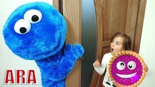 الاجتماع الأول لل Ulya و Cookie Man