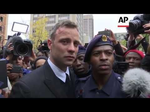 Pistorius leaves court at end of day's testimony