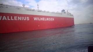 شاهد عبو السفن العملاقة بجوار مواقع الحفر فى قناة السويس الحالية والجديدة