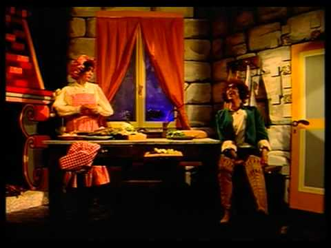 "TOM racconta I TRE PORCELLINI Fantastic tales ""The Three Little Pigs"" from YouTube · Duration:  3 minutes 29 seconds"