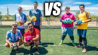 TIROS 99% IMPARABLES CON DOS RAPEROS VS DOS PORTEROS - Retos de Fútbol thumbnail