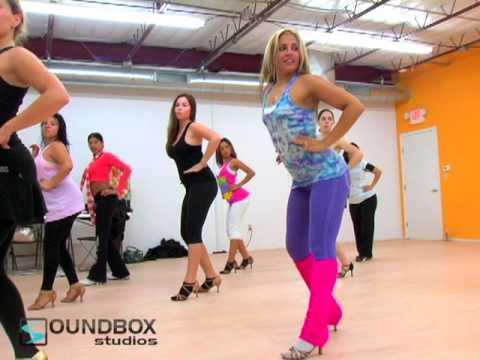 Lucia Dargam Samba Class - YouTube